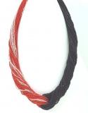 CN41 Бисер 48 нитей, соединенные узлом. Цвет 2 черно-красный