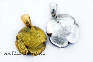 NV32 Подвеска Роза цвет золото и серебро муранское стекло
