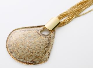 NV03 Подвеска Бонди' веер диам.8см цвет слоновая кость-золото
