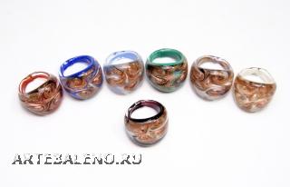 RD02-A Кольцо 7 цветов со спиральным узором муранское стекло