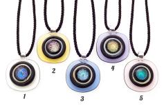 DEM01 Подвеска Квадрат с округлыми углами на витом шнурке 5 цветов муранское стекло